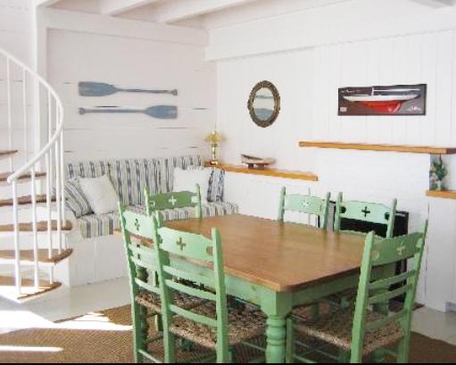 cottage_greentable